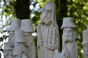 rzeźby Tadka Flaka z Pamiątkowa
