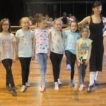 grupa dziecięca z instruktorką Magdaleną Mak