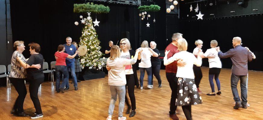 Warsztaty tańca i śpiewu ludowego Z PRZYTUPEM – pokaz 25 stycznia