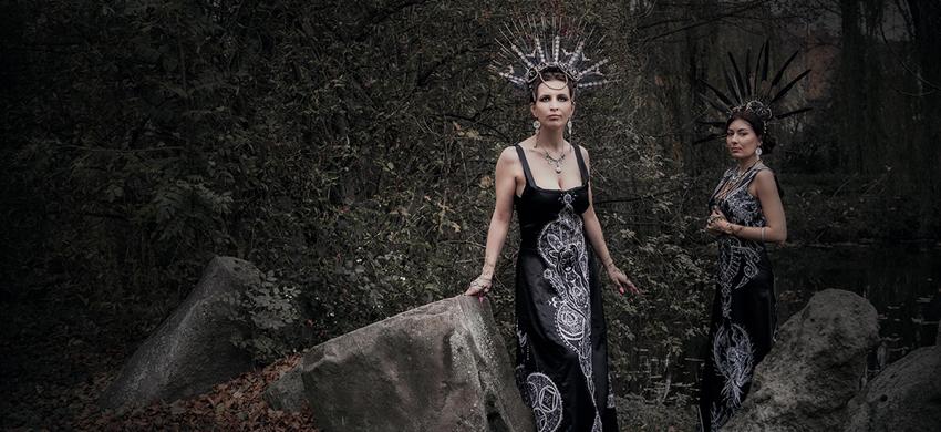 "Anushka & Betushka ""Moda – wariacje pędzlem"" – wystawa"