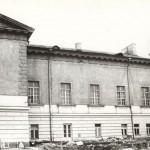 na fot.: Budynek dawnej cerkwi garnizonowej św. Jerzego, po wojnie KDK, nastepnie WDK w Kaliszu (stan w trakcie remontu geeralnego - rok 1984)